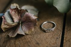 Sterling+silver+leaf+design+ring.++Really+pretty+little+ring.++Shank+has+been+given+a+hammered+texture.++Very+organic+looking+little+ring.Made+to+order+item+so+please+have+your+finger+measured++at+a+jewellers+before+ordering.++Takes+approx+2+weeks+for+delivery.+Comes+In+an+Erincraft+Jewellery+white+gift+box.