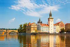 Le offerte vacanze più convenienti per andare un weekend di ottobre a scoprire Praga. Per le offerte volo+hotel per i prossimi mesi clicca qui:  http://vacanze.volagratis.com/offerte/vacanze/praga?_source=pinterest_medium=post_vacanze_campaign=064_PRG_source=PIIT_content=Offerta_PRG