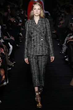 NO. 21 Autumn/Winter 2017 Ready-to-wear Collection