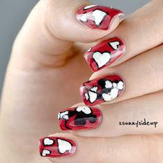 ssunnysideup: Mickey mouse kisses minnie mouse nails