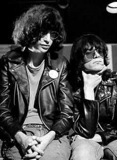 Joey and Dee Dee Ramone photographed by Chester Simpson