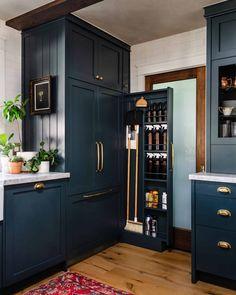 Updated Kitchen, Diy Kitchen, Kitchen Storage, Kitchen Decor, Kitchen Design, Kitchen Notes, Cabinet Storage, Kitchen Cleaning, Kitchen Pantry