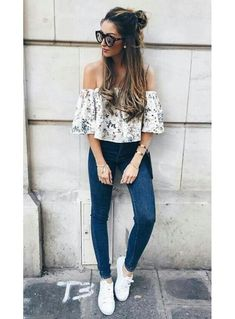 Here are 35 Trendy Outfits Ideas for Teens. We are gathering ideas day and night for people who love fashion and stuff. Hope you'll like all of these Outfits Ideas. Comment below your favourite ideas in comment section. Summer Outfits 2017, White Summer Outfits, Spring Outfits, Sunday Outfits, Trendy Fashion, Spring Fashion, Womens Fashion, Fashion Trends, Fashion Black