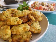 Buñuelos de bacalao Spanish Food, Food Truck, Potato Salad, Cauliflower, Salsa, Sandwiches, Food And Drink, Vegetables, Cooking