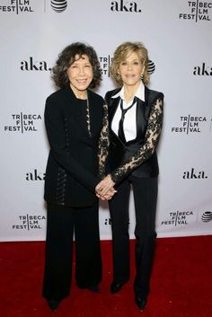 Lily Tomlin and Jane Fonda for grace and Frankie
