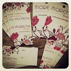 Etiquetas colgantes, etiquetas autoadhesivas para cerrar bolsas y de regalo Morena Boutique, Los Andes, Chile. www.proyectaideas.cl