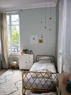 Chambre de Jeanne Lit en rotin vintage