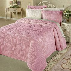 The cotton chenille Ashton Bedding will make your bedroom cozy and warm with its pleasing colors and pattern. Chenille Bedspread is a solid color with. Best Duvet Covers, Bed Covers, Girl Bedroom Designs, Bedroom Ideas, Girls Bedroom, Master Bedroom, Bedroom Decor, Bed Linen Design, Chenille Bedspread
