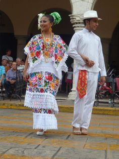 traditional regional costumes of the state of Yucatan Mexican Costume, Mexican Outfit, Mexican Dresses, Mexican Style, Folk Costume, Traditional Mexican Dress, Traditional Dresses, Mexico Dress, Mexico People