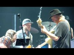 Neil Young - Words (Between the Lines of Age) - O2, London - 11 June 2016