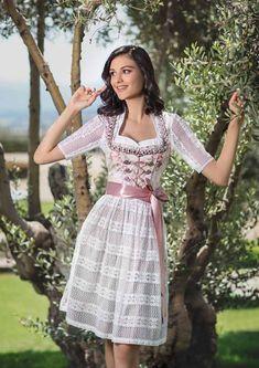 Bergweiss Kollektion - Frühjahr - Sommer 2019 Mode Inspiration, Elegant, Costumes, Traditional, Germany, Austria, Beauty, Vintage, Medium