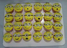 minion cupcakes Geek Birthday, Superhero Birthday Cake, Minion Birthday, Minion Party, Birthday Cakes, Cartoon Cupcakes, Minion Cupcakes, Lego Cake, Minecraft Cake