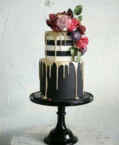 2 trier floral stripes cake