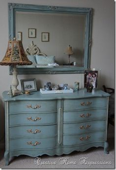 Dresser in Duck Egg Blue Chalk Paint® decorative paint by Annie Sloan Chalk. By Kathy of Creative Home Expressions I love the idea of painting the mirror the same colour as the dresser. Chalk Paint Furniture, Furniture Projects, Furniture Making, Diy Furniture, Mirror Furniture, Dresser Mirror, Refurbished Furniture, Repurposed Furniture, Furniture Makeover