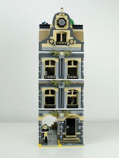 LEGO Modular Building: Police Station (I like the roof detail. Although I would modify it a bit still.)