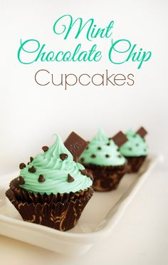 Mint Chocolate Chip Cupcakes - always a huge hit at parties! Super easy to make and tastes amazing!