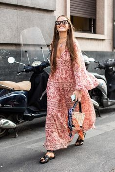Milan Fashion Week S/S 2019 street style Street Style Edgy, Street Style Outfits, Street Style Summer, Cool Street Fashion, Street Style Looks, Street Style Women, Parisian Style Fashion, Parisian Girl, Fashion Casual