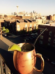 A refreshing Moscow Mule with a Biting Home Made Ginger Beer Cookie Tray, Ginger Beer, Moscow Mule Mugs, Blogging, Homemade, Food, Blog, Home Made, Diy Crafts