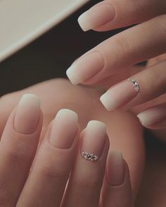 Elegant Look Bridal Nail Art Ideas Atemberaubende 40 + Elegant Look Braut Nail Art Ideen The post 40 + Elegant Look Braut Nail Art Ideen & Nails appeared first on Nail designs . Bride Nails, Prom Nails, Solid Color Nails, Nail Colors, Natural Color Nails, Natural Nail Art, Natural Looking Nails, Bridal Nail Art, Simple Bridal Nails