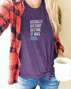 Cute Shirts, Funny Shirts, Short Bleu, Silhouette, Vogue, Shirts With Sayings, Infp, What To Wear, Style Me