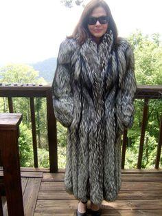 Mantel mit pelz grau