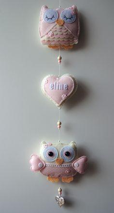 Handmade by JoHo - uilenslinger van vilt - owls felt