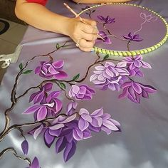 Hand Painted Sarees, Hand Painted Fabric, Fabric Painting On Clothes, Painted Clothes, Saree Painting, Silk Painting, Bed Sheet Painting Design, Wall Painting Flowers, Wildflower Drawing