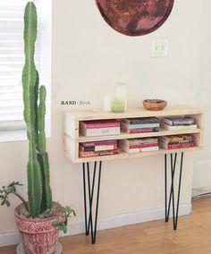 RAND Modern console shelf on hairpin legs von WillowETSYshop Bookshelf Design, Bookshelves, Bookcase, Console Shelf, Entryway Console, Console Table, Hairpin Legs, Home And Deco, Home And Living