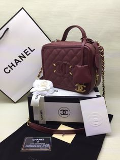 cb3a31b2e25b Best Women s Handbags   Bags   Chanel available at Luxury   Vintage Madrid