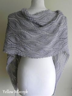 Marduta Knitting pattern by Yellow Mleczyk I designed and knitted this shawl just for fun of creating a shawl that could look good both on the right and wrong side. Crochet Wrap Pattern, Lace Knitting Patterns, Knitting Yarn, Knit Crochet, Fingering Yarn, Lace Scarf, Sport Weight Yarn, Knitted Shawls, Shawls And Wraps