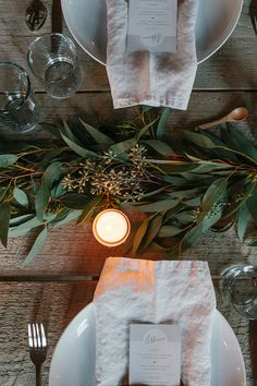 Scroll down for inspiring decors and table setting ideas, perfect for the entertaining season that's coming. Use votive candles to give a magical glow to your table. Table setting by A Thousand Thr...