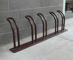 super Ideas for bike rack design diy Diy Bike Rack, Bicycle Rack, Bicycle Tools, Rack Design, Bike Design, Dirt Bike Room, Wall Mount Bike Rack, Bike Repair Stand, Bike Parking