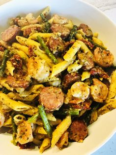 Shrimp and Sausage Pesto Pasta Cooks Well With Others - One pot rezepte Sausage And Shrimp Recipes, Shrimp And Sausage Pasta, Pesto Pasta Recipes, Pesto Recipe, One Pot Vegetarian, Vegetarian Recipes Dinner, Pesto Salad, Asparagus Pasta, Sprout Recipes