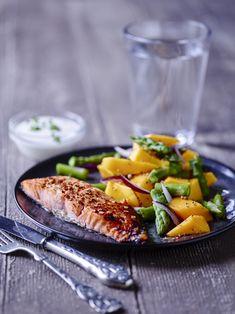 Sense   6 lækre opskrifter til 2 hele dage med Sense Canned Salmon Recipes, Mango Salat, Frozen Salmon, Recipe For 2, Shellfish Recipes, Lchf, Diabetes, Grilling, Yummy Food