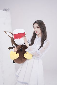 Soyeon, Red Velvet, Disney Characters, Fictional Characters, Singer, Actresses, Disney Princess, Model, Chinese