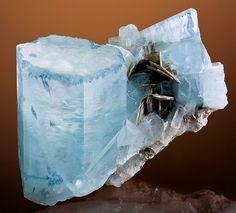 Gorgeous Aquamarine with Muscovite