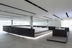 Welcome to Florim Gallery - Florim presents Florim Gallery, the new 9,000 m2 showroom created for the exhibition of Florim products and much more (events). #showroom #florimgallery #florim #Bespoke #Underscore #iGuzzini