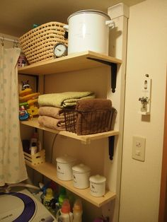「我が家のサニタリー」記事の画像 Bathroom Storage, Kitchen Storage, New Room, Furniture Makeover, Diy And Crafts, Home Improvement, Bookcase, Shelves, Design