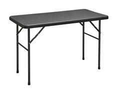 Dieser rechteckige Tisch in Rattan-Optik in schwarz lässt sich (fast) überall…