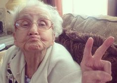 """Known as """"grandmabetty33"""" to strangers all over the world, Betty Simpson is the 80-year old grandmother of teenager Zach Belden, who decided to start an account for this sweet lady to not only chronicle her battle with cancer, but also share the positive messages that she has learned in her lifetime."""