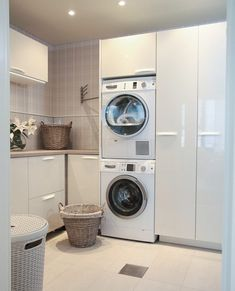 img_20161010_215330 Laundry Closet Makeover, Pantry Laundry Room, Laundry Room Layouts, Small Laundry Rooms, Laundry Room Organization, Interior Design Living Room, Living Room Designs, Küchen Design, House Design