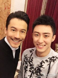 Johnny黄景瑜的微博_微博 creepy they both play father n son n they look so much alike
