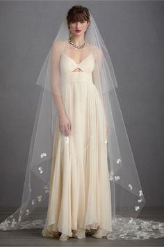 Buoyant Blooms Veil from BHLDN Beach Wedding Headpieces, Bhldn Wedding, Headpiece Wedding, Wedding Veils, Bridal Headpieces, Bridal Gowns, Wedding Dresses, Bridal Hair, Bride Veil