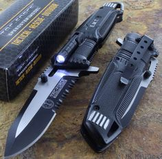 Knife with built in flashlight! Cool!!