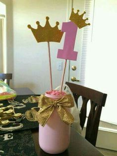DIY Pink and Gold Princess Party centerpiece by Alejandra Gonzalez Más Pink Princess Party, Princess Theme Birthday, Gold Birthday Party, Gold Party, 1st Birthday Girls, First Birthday Parties, Birthday Party Themes, First Birthdays, Princess Star