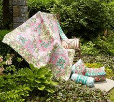 floral quilt by Verna Mosque