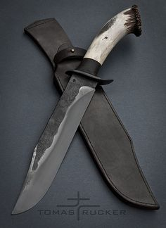 Nevertheless, there are 3 knives that will probably see the most wear and tear; a chef's knife, a paring knife and a serrated knife. Blacksmithing Knives, Bushcraft Knives, Tactical Knives, Buck Knives, Cool Knives, Knives And Swords, Seax Knife, Antler Knife, Gerber Knives
