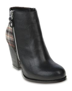 Zoom Tessie Ankle Boots - Black