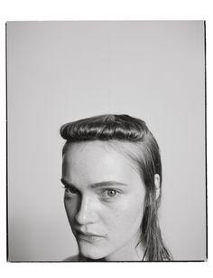 Benjamin Vnuk is a swedish photographer living in Paris, France. Editorial Hair, Beauty Editorial, Lund, Headshot Poses, Model Face, Foto Pose, Grunge Hair, Bad Hair, Hair Art