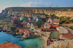 Lugares sorprendentes del mundo: La aldea de Popeye en Malta. #viajar #viajes
